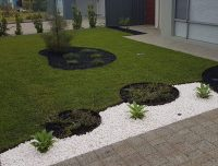 circles garden edging