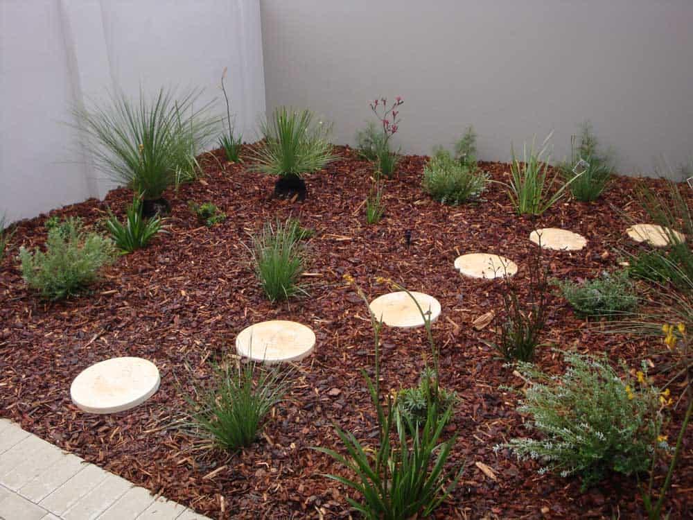 1-Round-Limestone-in-Pine-Bark