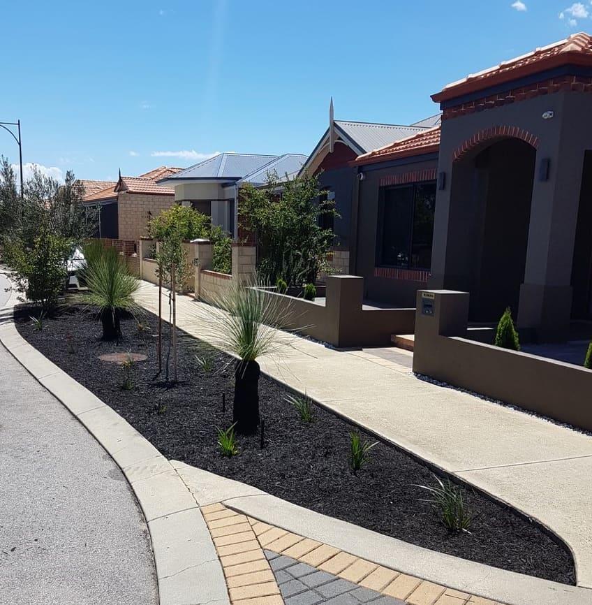 front yard garden edging