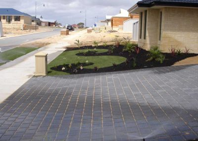 lawn garden pave landscaping inspiration